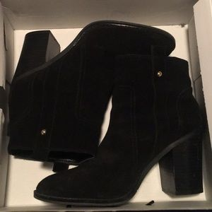 Women's sued ankle boots